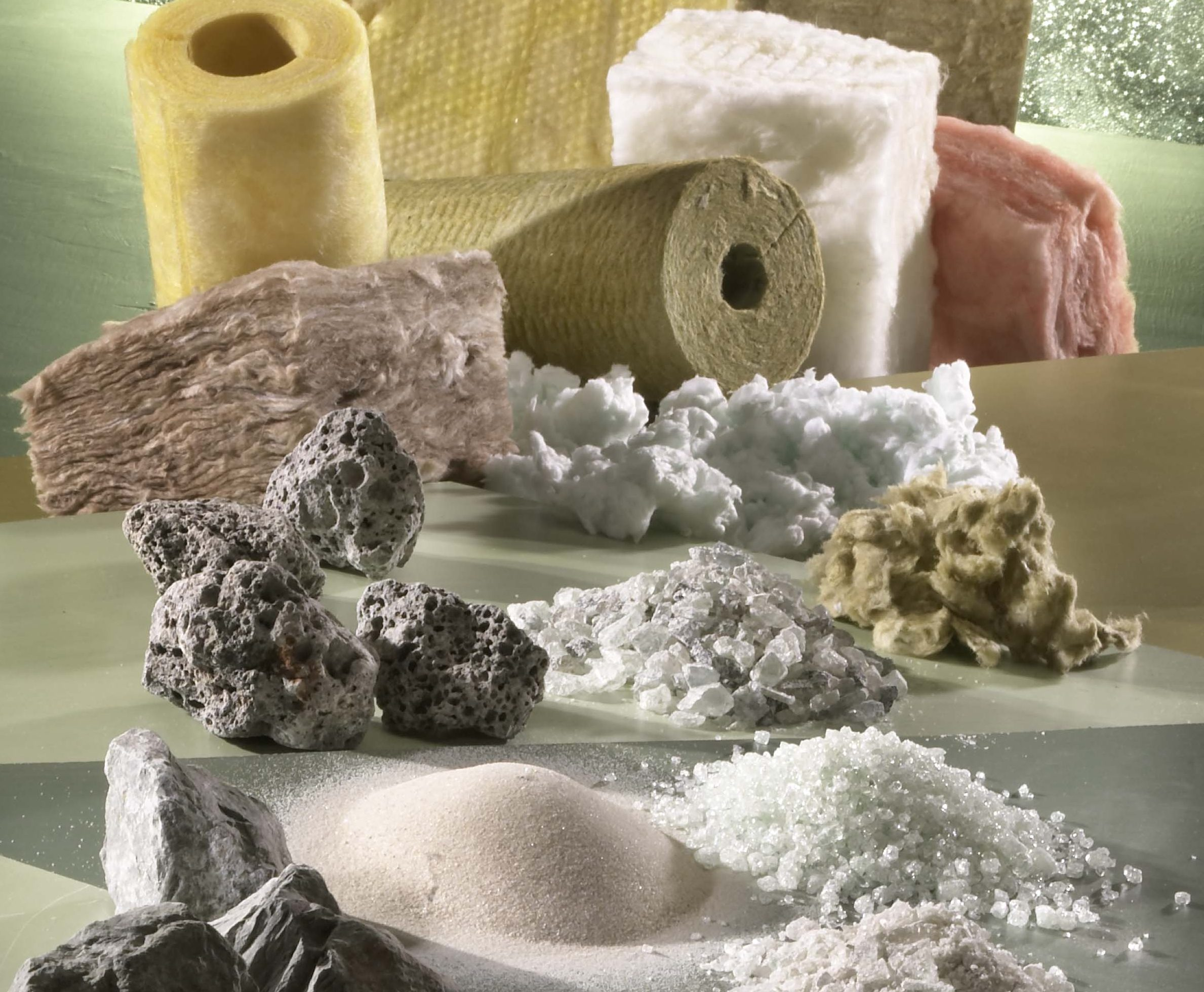 Canadian insulation manufacturers used nearly 300 million pounds of recycled material in 2012